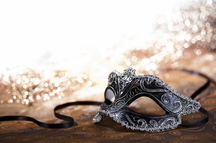 Maske als Zubehör auf Partys