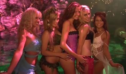 Party-in-Playboy-Mansion